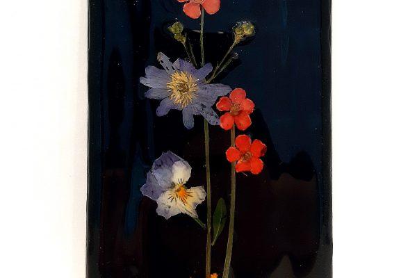 Bloemen op zwart tegeltje – Jeetje Design